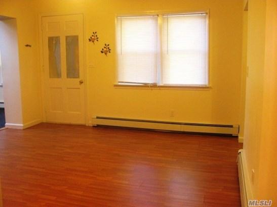 Rental Home, 2 Story - Locust Valley, NY (photo 2)