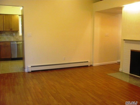Rental Home, 2 Story - Locust Valley, NY (photo 3)