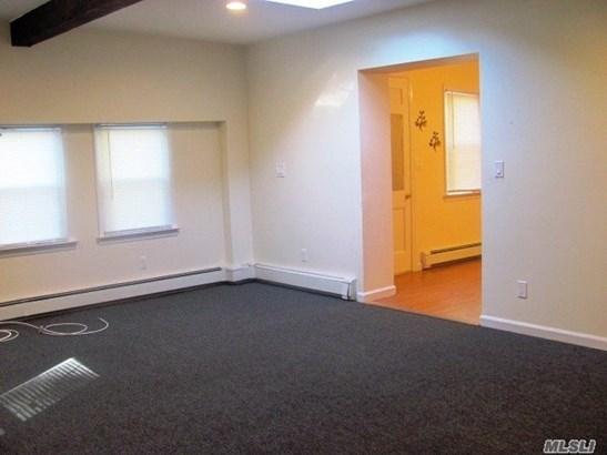 Rental Home, 2 Story - Locust Valley, NY (photo 4)