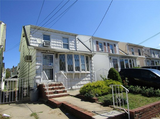 Single Family Residence, Colonial - Queens Village, NY