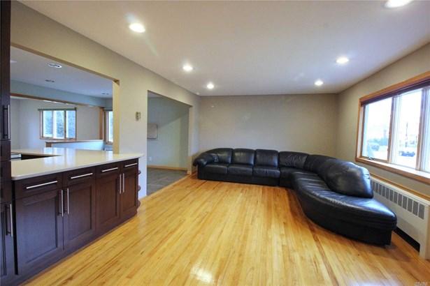 Residential, Split - Massapequa, NY (photo 4)