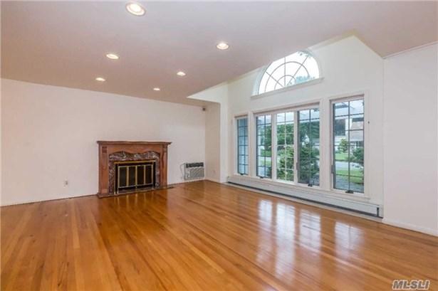 Rental Home, Exp Ranch - Roslyn, NY (photo 2)