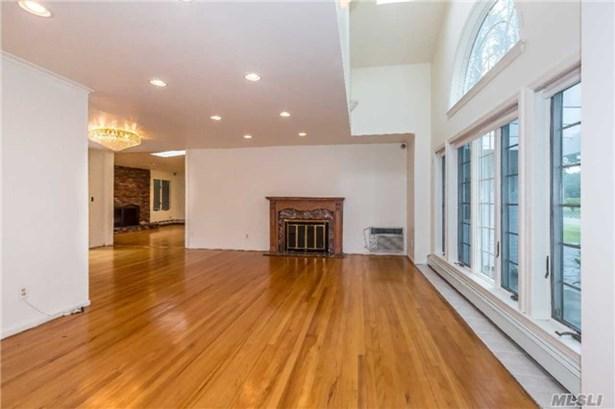 Rental Home, Exp Ranch - Roslyn, NY (photo 4)