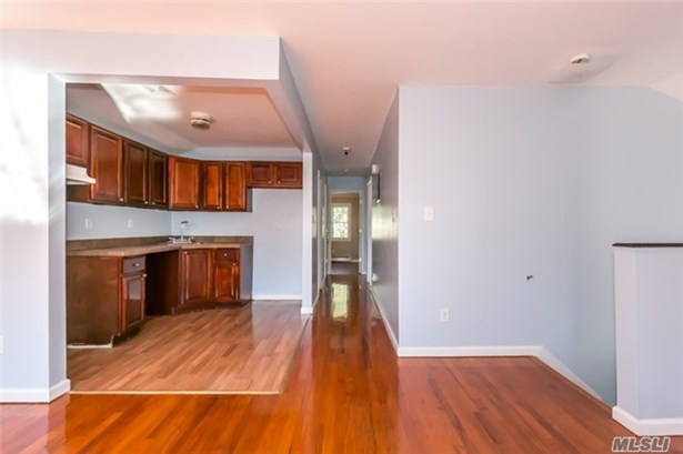 Rental Home, Apt In House - Jamaica, NY (photo 3)