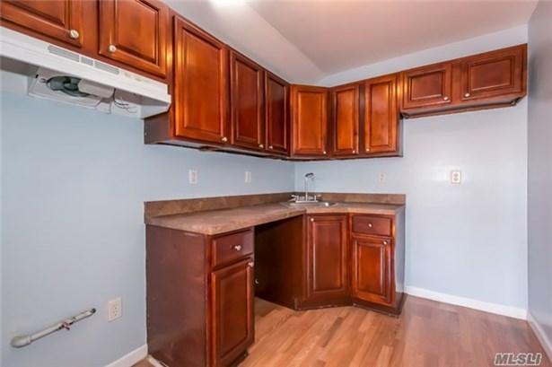 Rental Home, Apt In House - Jamaica, NY (photo 4)