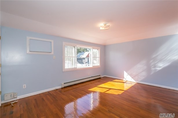 Rental Home, Apt In House - Jamaica, NY (photo 5)