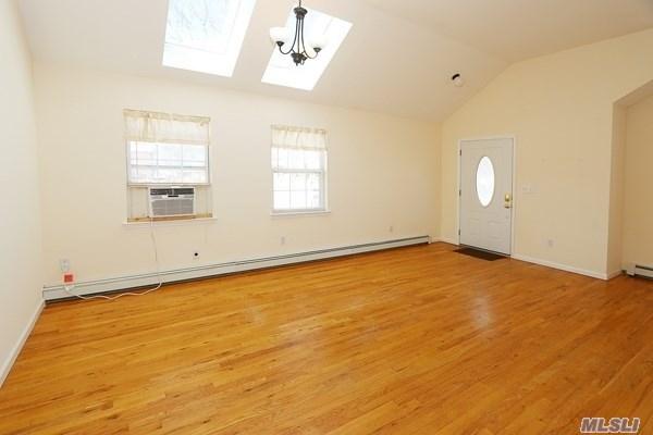 Rental Home, Ranch - Massapequa, NY (photo 4)