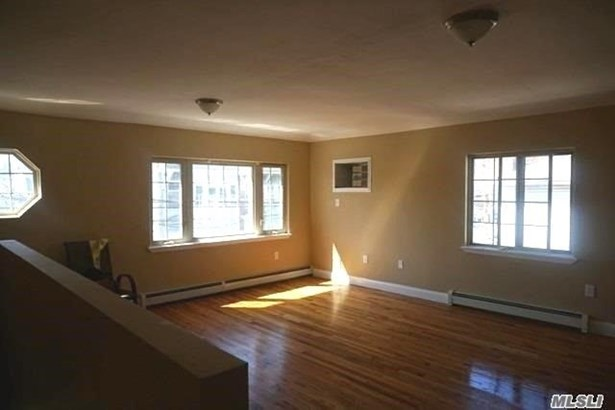 Rental Home, Apt In House - Far Rockaway, NY (photo 1)