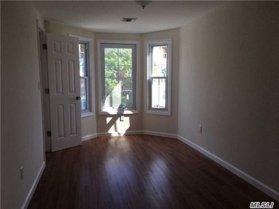 Rental Home, Apt In Bldg - Oyster Bay, NY (photo 5)