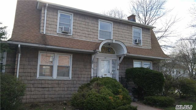 Rental Home, Colonial - Hicksville, NY (photo 1)
