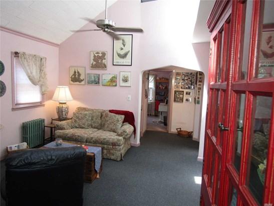 Residential, Cape - Bellerose, NY (photo 3)