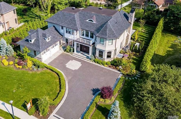 Residential, Colonial - Roslyn Heights, NY