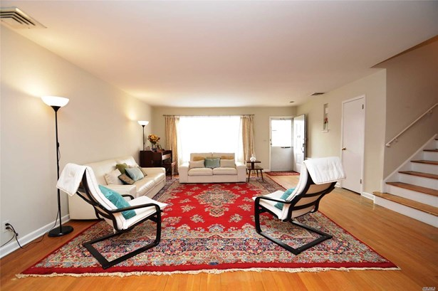 Residential, Split - Douglaston, NY (photo 3)