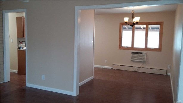 Rental Home, Apt In House - East Meadow, NY (photo 1)
