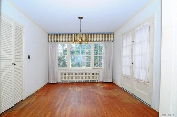 Residential, Cape - Manhasset, NY (photo 3)