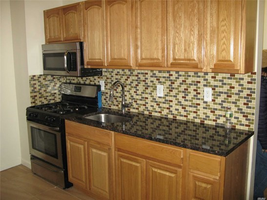 Rental Home, Apt In Bldg - Astoria, NY (photo 4)