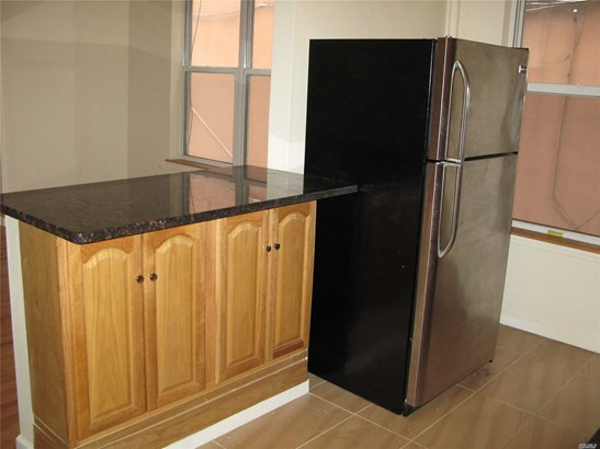 Rental Home, Apt In Bldg - Astoria, NY (photo 5)