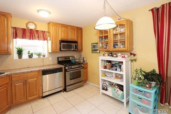 Co-Op, Residential - Glen Oaks, NY (photo 5)