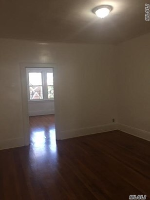 Rental Home, Colonial - Jackson Heights, NY (photo 3)