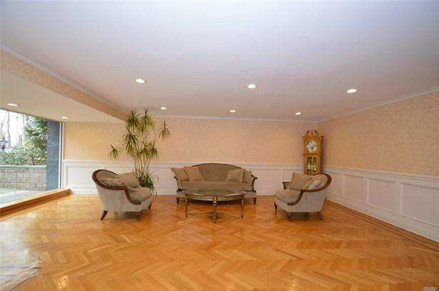Co-Op, Residential - Douglaston, NY (photo 3)