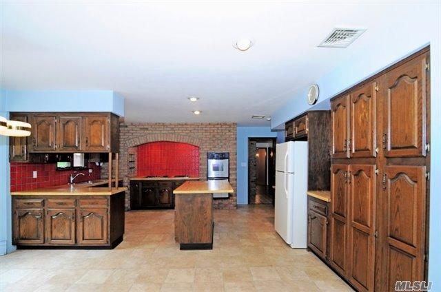 Residential, Ranch - Syosset, NY (photo 3)