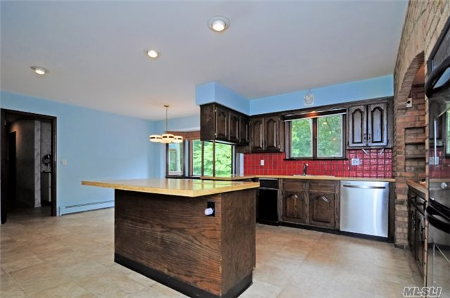 Residential, Ranch - Syosset, NY (photo 4)