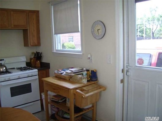 Rental Home, Apt In House - Oyster Bay, NY (photo 4)