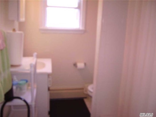 Rental Home, Apt In House - Oyster Bay, NY (photo 5)