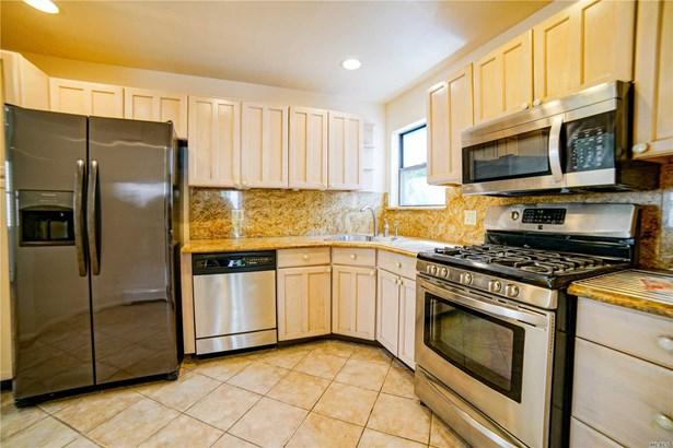 Rental Home, Duplex - Port Washington, NY (photo 5)