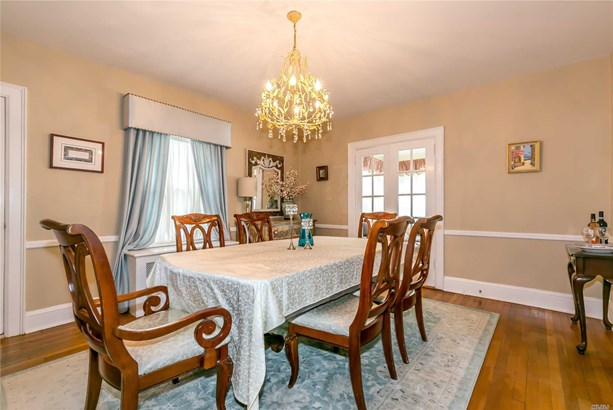 Rental Home, Colonial - Great Neck, NY (photo 3)
