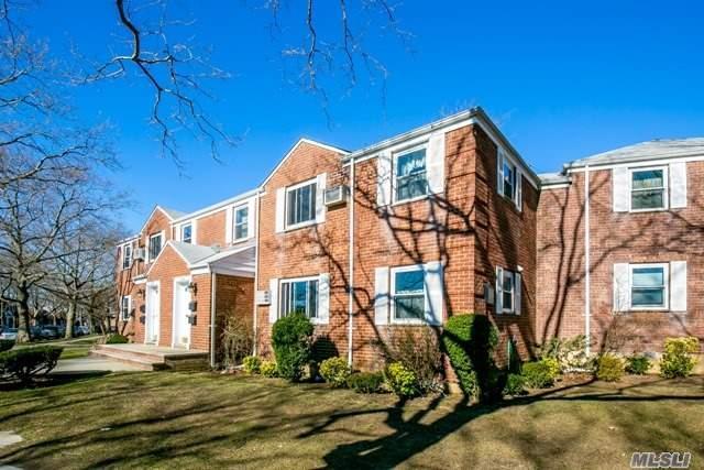 Co-Op, Residential - Glen Oaks, NY (photo 2)