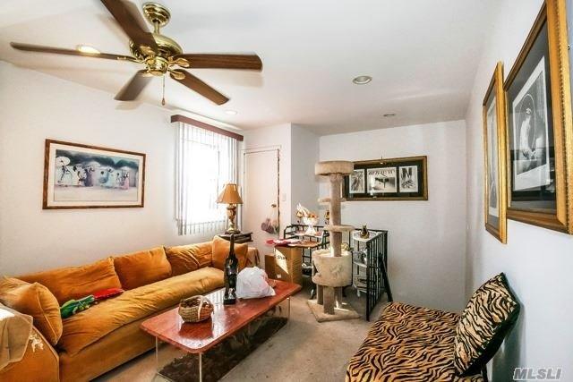 Co-Op, Residential - Glen Oaks, NY (photo 3)