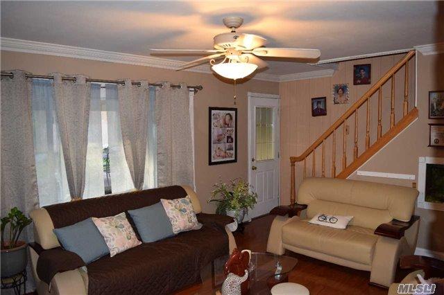 Residential, Cape - Westbury, NY (photo 3)