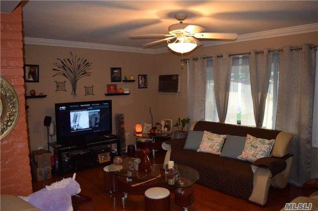 Residential, Cape - Westbury, NY (photo 4)