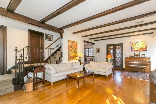 Tudor, Residential - Great Neck, NY (photo 2)