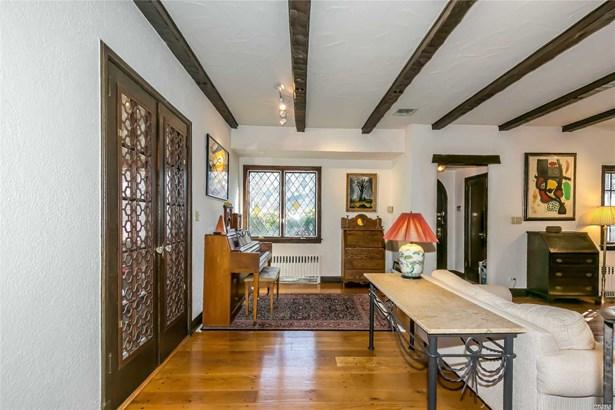 Tudor, Residential - Great Neck, NY (photo 4)