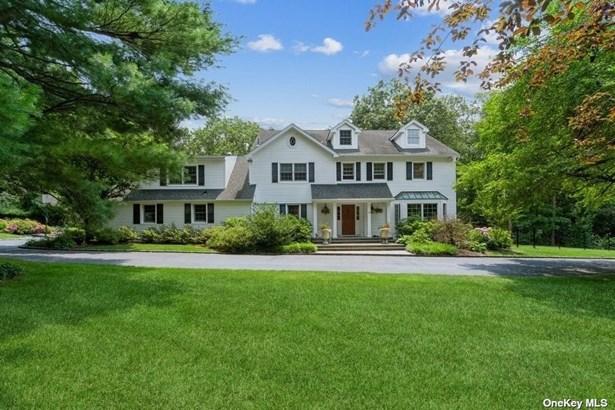 Single Family Residence, Colonial - Laurel Hollow, NY