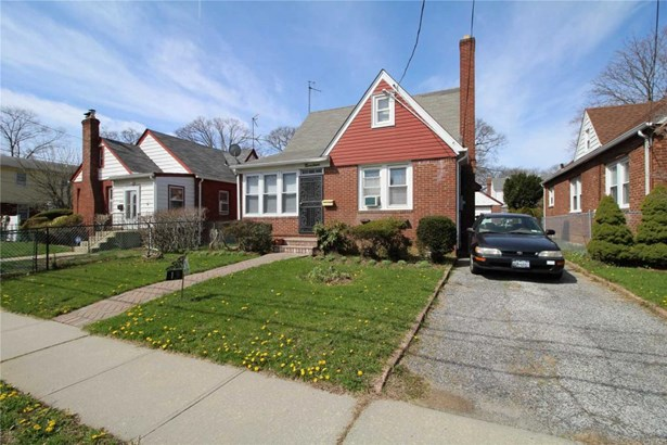 19 Queen St, Freeport, NY - USA (photo 2)