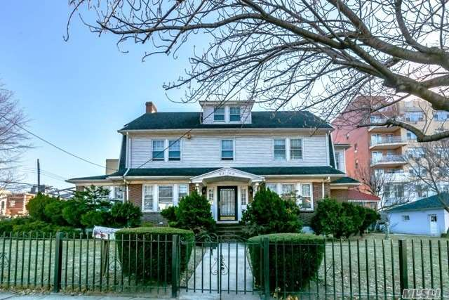 Residential, Colonial - Flushing, NY (photo 1)