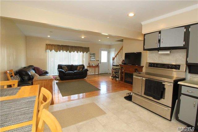 Residential, Cape - Bethpage, NY (photo 5)