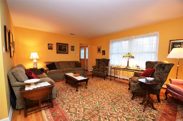 Residential, Colonial - Wading River, NY (photo 5)