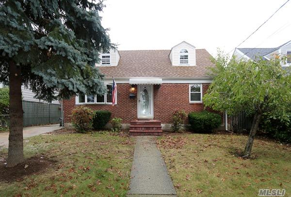 Residential, Colonial - Wantagh, NY (photo 1)
