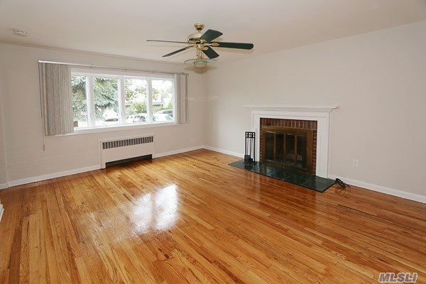 Residential, Colonial - Wantagh, NY (photo 2)