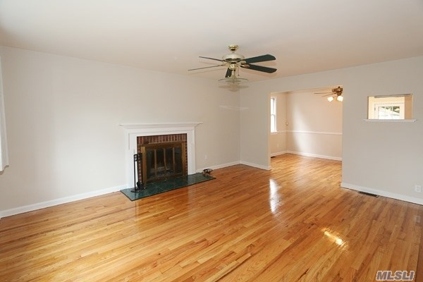 Residential, Colonial - Wantagh, NY (photo 3)
