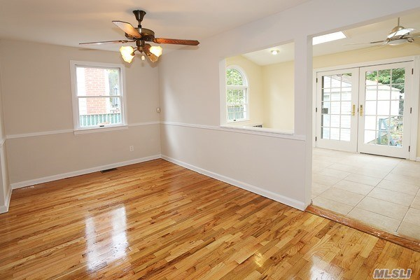 Residential, Colonial - Wantagh, NY (photo 5)