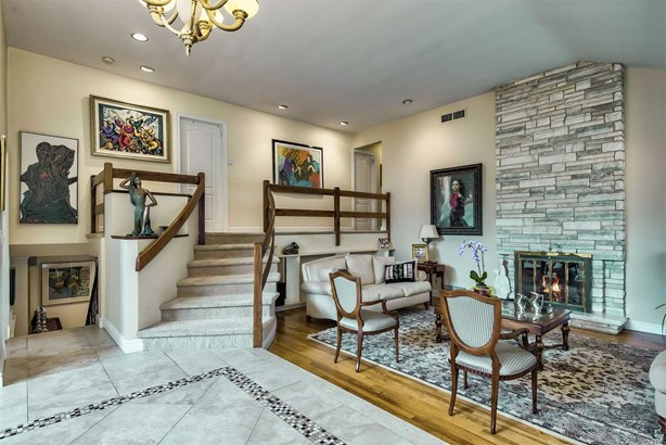 Residential, Split - Roslyn Heights, NY (photo 3)
