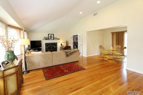 Residential, Ranch - Greenlawn, NY (photo 3)