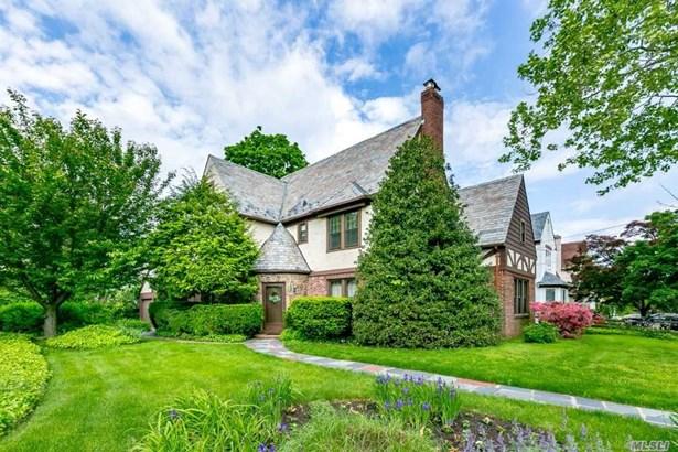 Tudor, Residential - Great Neck, NY (photo 1)