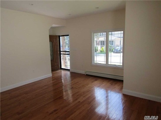 Rental Home, Apt In House - Bellerose, NY (photo 5)