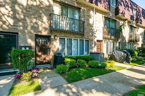 Residential, Condo - Hempstead, NY (photo 1)